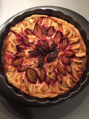 Alsaský koláč se švestkami a jablky