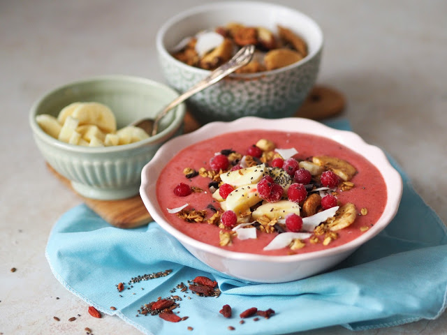 RYBÍZOVÉ SUPERFOODS SMOOTHIE BOWL